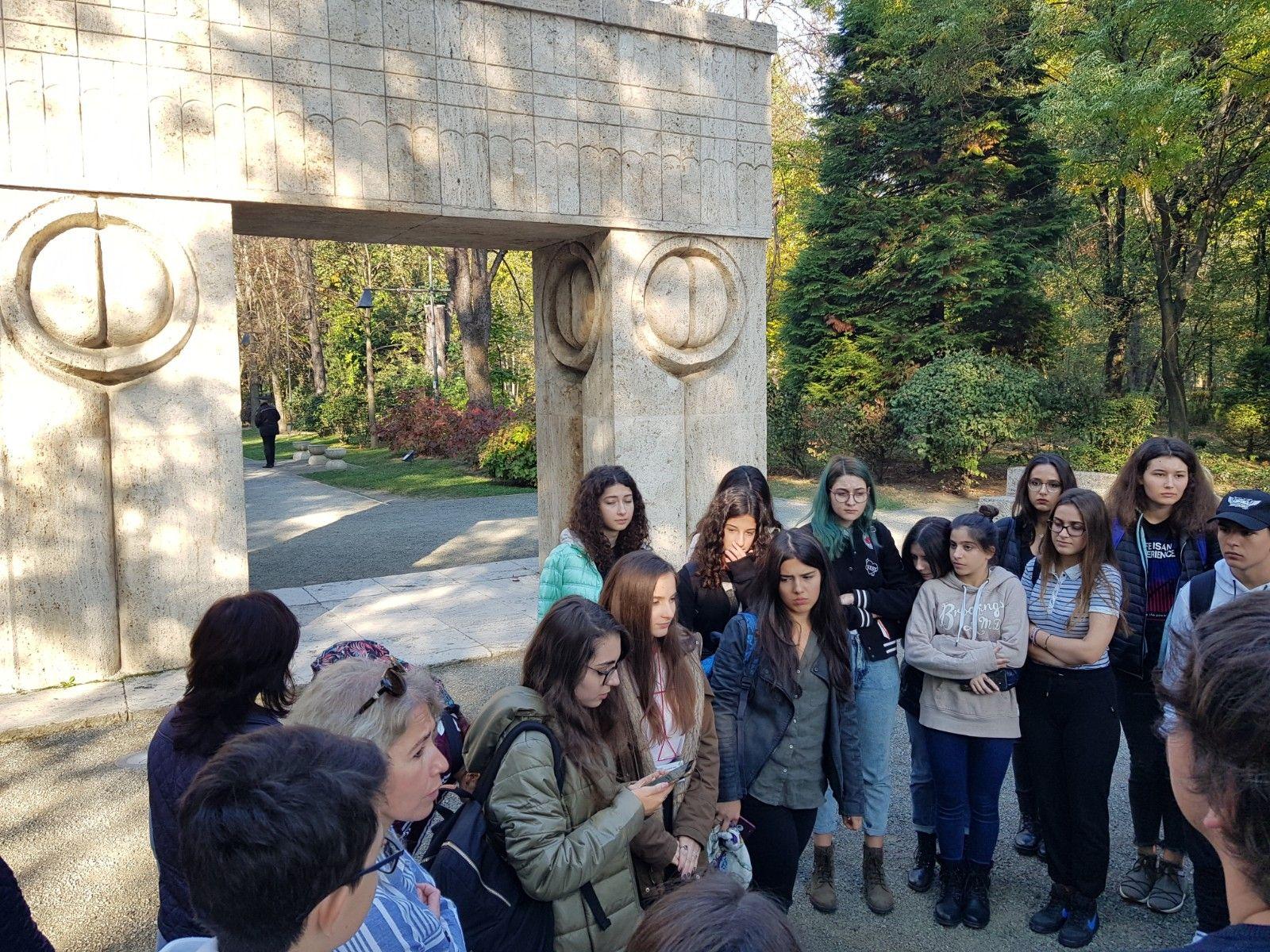 Visite de l'ensemble sculptural de Constantin Brancusi – Targu-Jiu